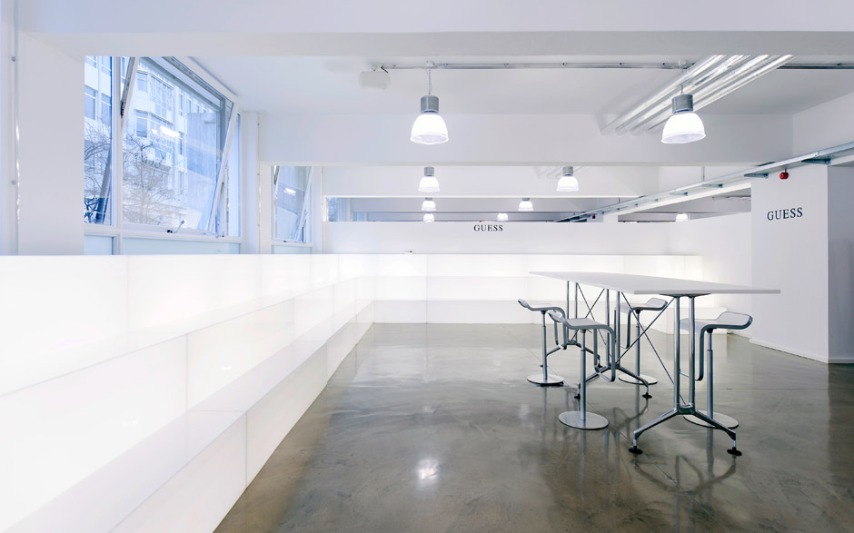 Trading pool urbanwerk immobilien architektur m nchen for Pool trading